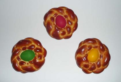 Click to enlarge Bread With Egg (Green, Red, Yellow)