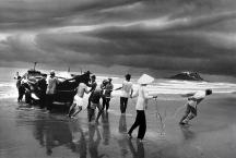 The Vietnamese Migration: the Beach of Vung Tau1995